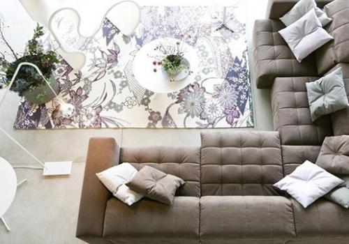 如何決定客廳沙發擺設方式與配色