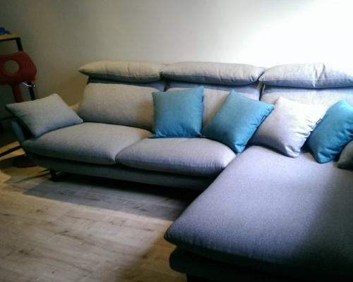 買了新沙發囉!!!! 赫里亞手工沙發~