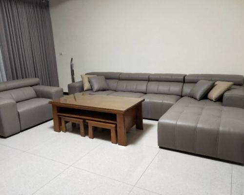 一座舒適的沙發—就在赫里亞